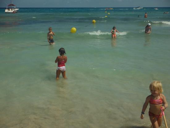 Hipotels Mediterraneo Club: Wasser klar und flach