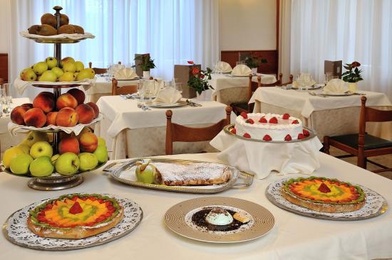 Hotel Corallo: Buffet dei dolci