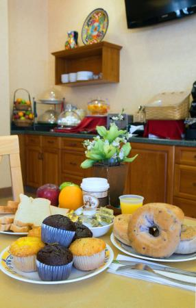 Old Town Inn: Our Continental Breakfast