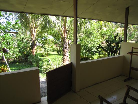 Bunaken Beach Resort: garden view from the private room terrace