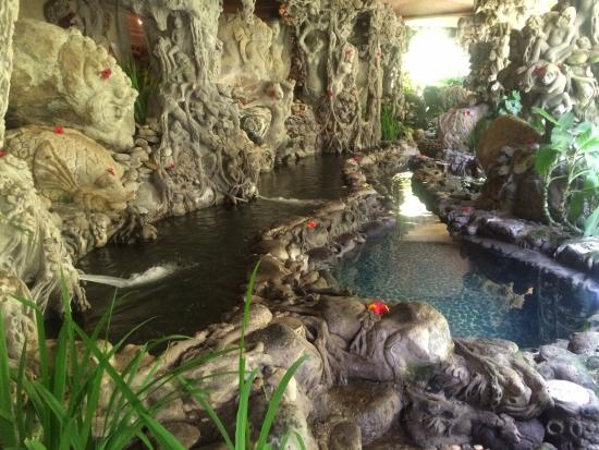 Hotel Tjampuhan & Spa: The springs at the SPA