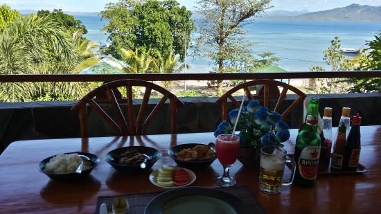 Bunaken Beach Resort: restaurant view