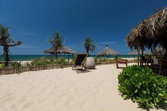 Villa Louise Hue Beach & Spa