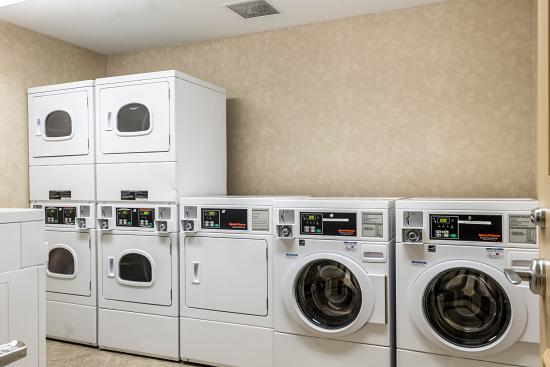 MainStay Suites Minot: Laundry