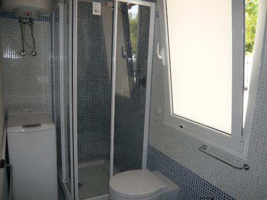 Zona Campeggio - Villino Trilocale cod.236L - bagno con lavatrice ...