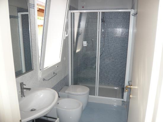 Lavanderia arredo bagno con arredo bagno con lavatrice ad incasso