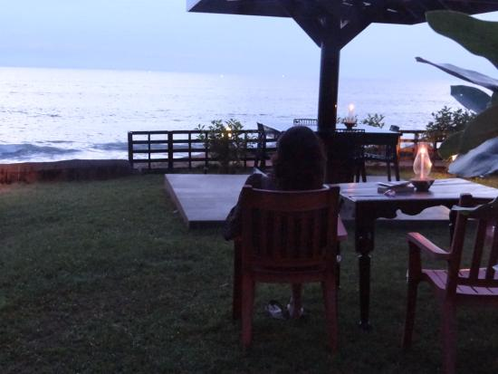 Blue Water Beach Resort: View from the dining area