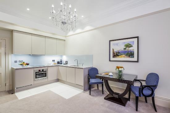The Apartments by The Sloane Club: Classic Two Bedroom Apartmen