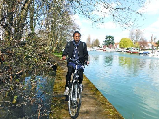 Bords de Marne a Velo Le Grand Huit