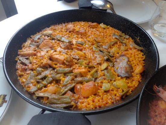 Paella valenciana de senyoret picture of restaurante - Restaurante entrevins valencia ...