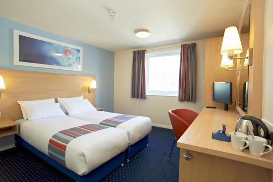Halkyn, UK: Twin room