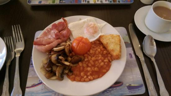 The Priory B & B: Breakfast