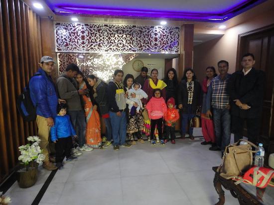 Hotel Vishal Residency: At Reception