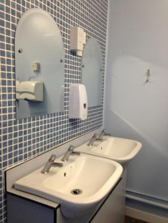 Cononley, UK: toilets