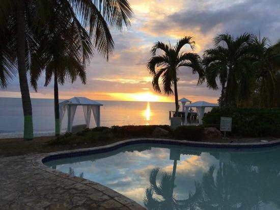 Grand Bahia Ocean View Hotel: photo1.jpg