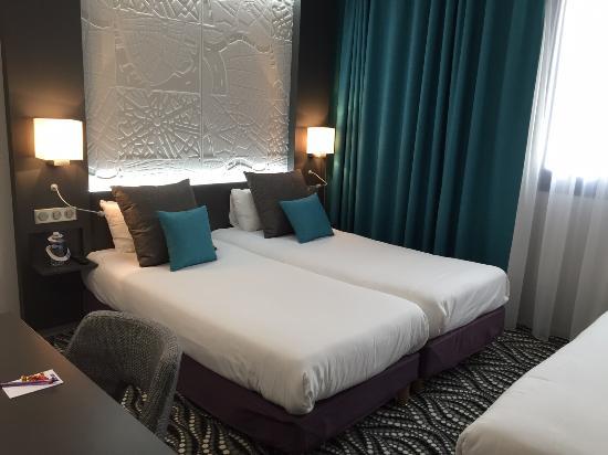 kyriad paris ouest bezons la defense chambre avec lits jumeaux - Lits Jumeaux