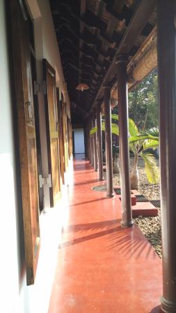 Thevercad Homestay: porch