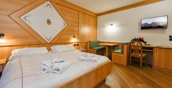 Hotel Chalet Pineta: superior room