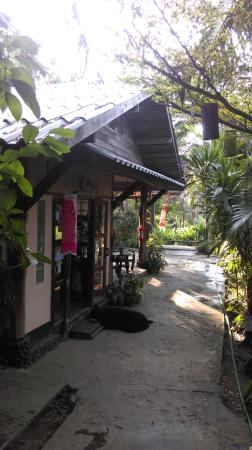Bueng Pai Farm: 民宿入口處
