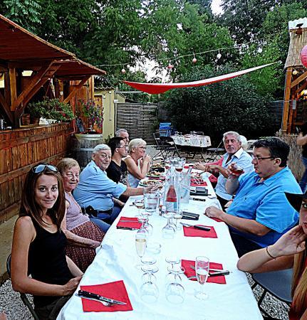 Guinguette pezenas restaurant avis photos tripadvisor for Restaurant a pezenas