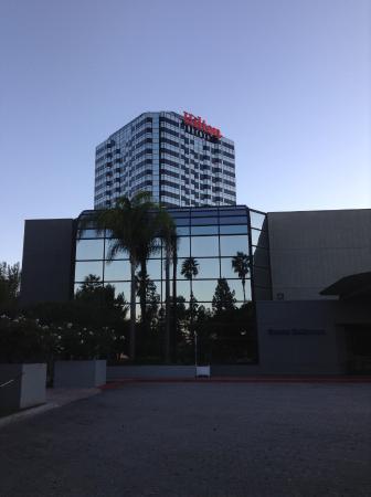 Hilton Los Angeles/Universal City: Outside view