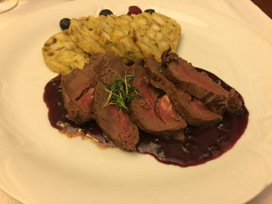 Cafe - Restaurant Maraton : Jeleni steak