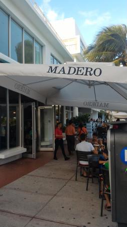 Madero Steak House Fachada