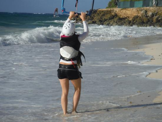 Endless Kiteboarding: Full safety gear on all lessons