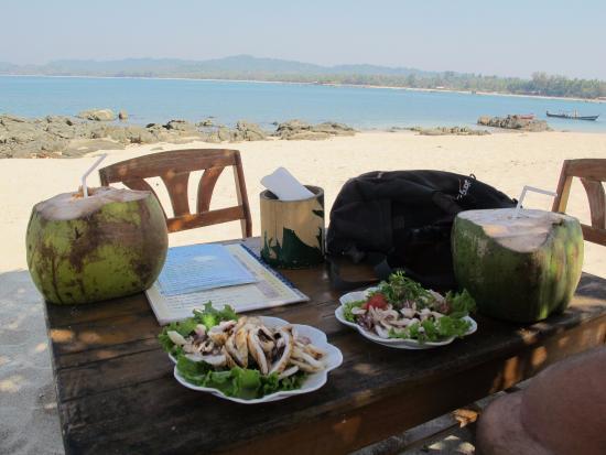 Ngapali Beach: I migliori calamari del mondo, di ritorno dallo snorkeling