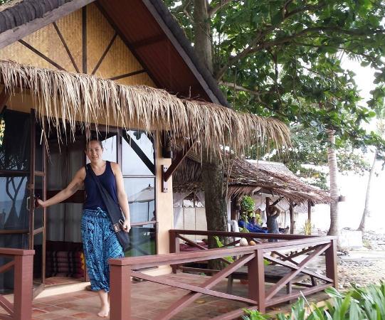 Nautilus Resort: Beach front bungalow, massage hut right next door