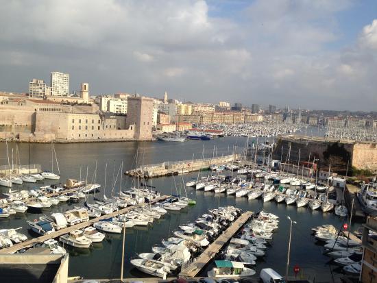 Sofitel Marseille Vieux-Port: VUE de notre ch 537 le jour