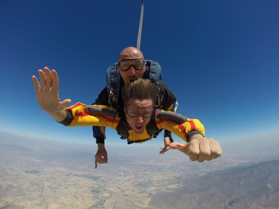 Skydive Costa Calida: Diviertete a 4000 metros del suelo