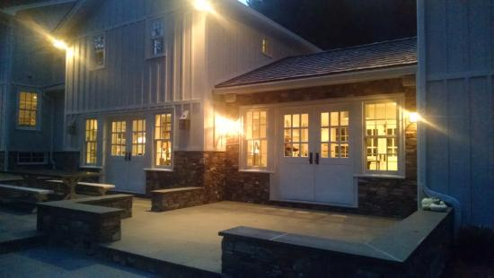 Inn at Little Pond Farm: entrance