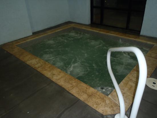 Big Bear Lodge and Resort: Hot Tub