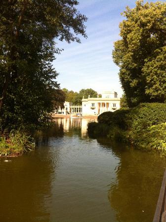 Parque Lazienki: Дворец