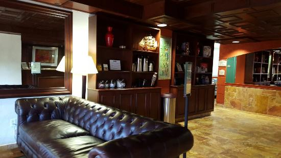 Best Western Plus Palm Beach Gardens Hotel & Suites & Conference Center: 20160107_142336_large.jpg