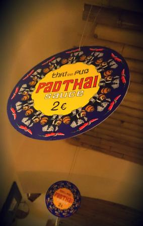 Thai inn Pub: Padthai sauce to go is a great choice!