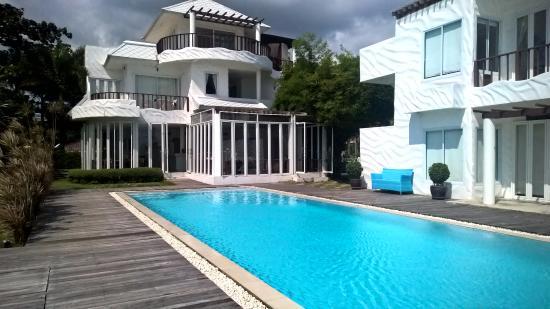 Villa Nalinnadda: NYE Celebrations in Koh Samui