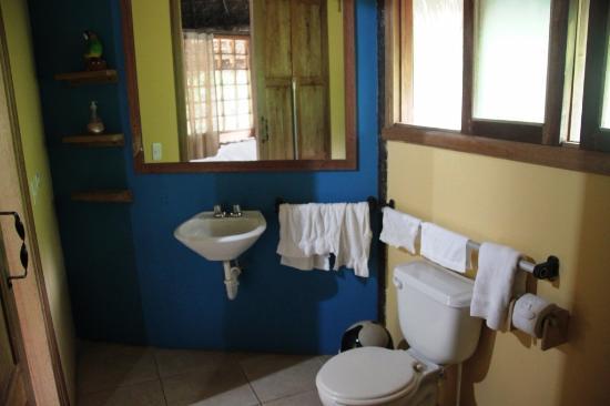 Cotundo, Ekuador: El baño de nuestr habitacion