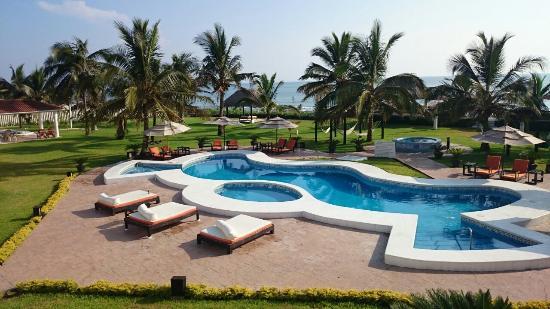 Hotel Suspiro: Vista de albercas desde la terraza privada