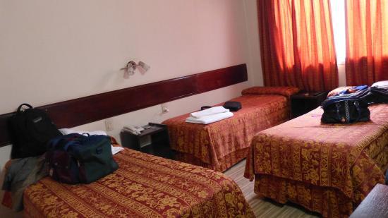 Hotel Crillon: Habitacion