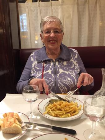 Le Relais de Venise: Mom having her first L'Entrecote meal Dec 38