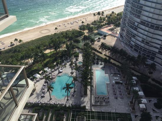The St. Regis Bal Harbour Resort: View!!!