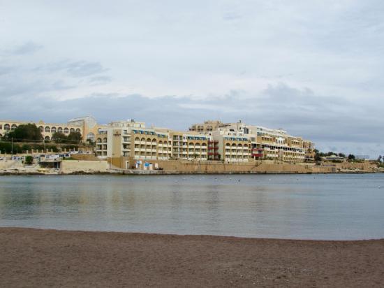 Marina Hotel Corinthia Beach Resort: l'Hotel dalla spiaggia