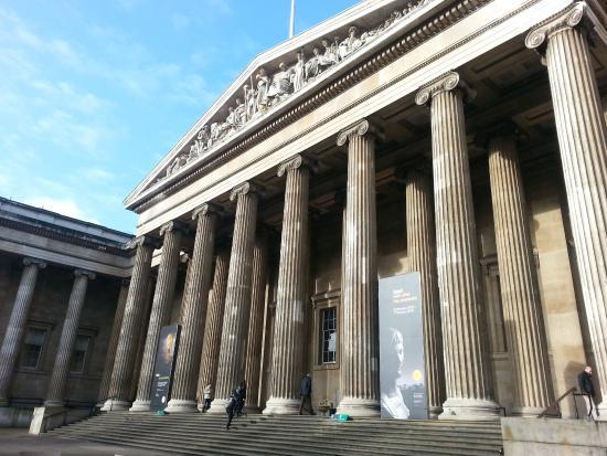 British Museum Foyer : British museum hall picture of london