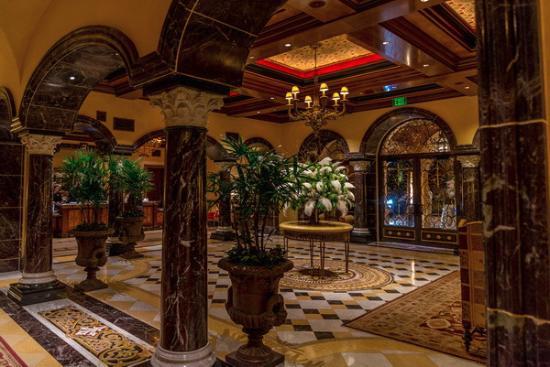 Fairmont Grand Del Mar: Main lobby
