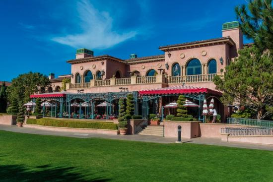 Fairmont Grand Del Mar: Amaya restaurant from the outside
