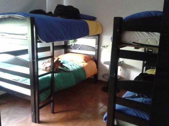 La Nina Hostel: Cuarto compartido para 6