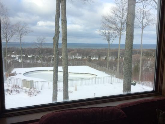 Egg Harbor, WI: View from Harbor unit #2331 overlooks pool