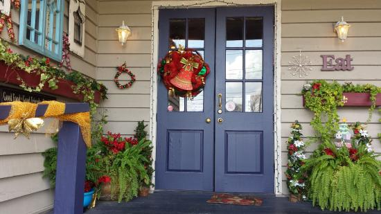 cajun landing front door christmas 2015 - Cajun Christmas Decorations